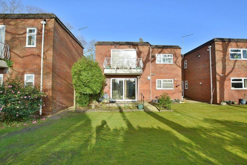 2 Bedrooms Apartment Flat for rent in Beaufoys Avenue, Ferndown