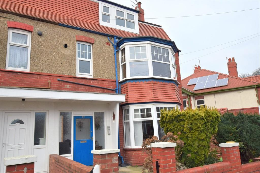 2 Bedrooms Flat for sale in Devonshire Drive, Scarborough