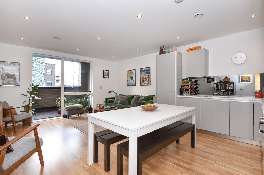 2 Bedrooms Apartment Flat for sale in Arts Lane, Bermondsey.