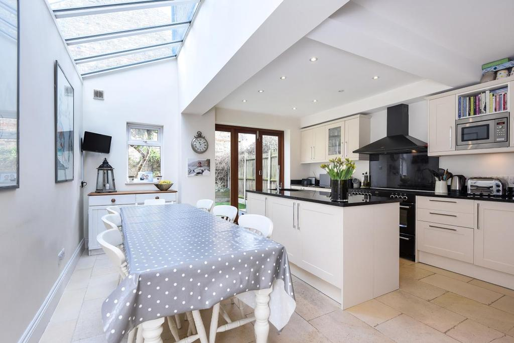 5 Bedrooms Terraced House for sale in Capern Road, Earlsfield