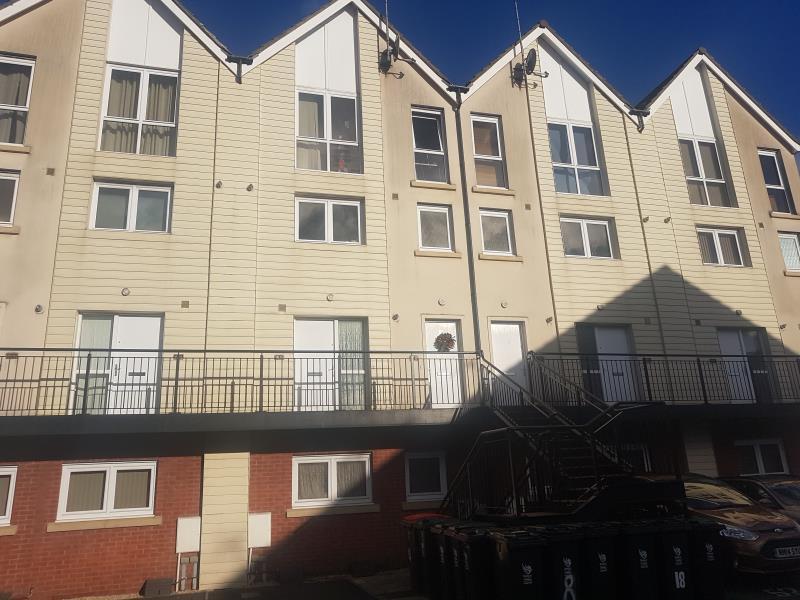 3 Bedrooms Flat for rent in Alicia Close, alexander Gate, Newport