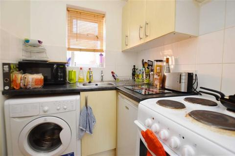 1 bedroom flat to rent - Downshire Square, Reading