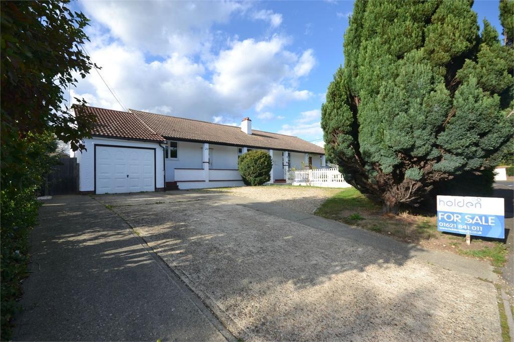 3 Bedrooms Semi Detached Bungalow for sale in Acacia Drive, Maldon, CM9