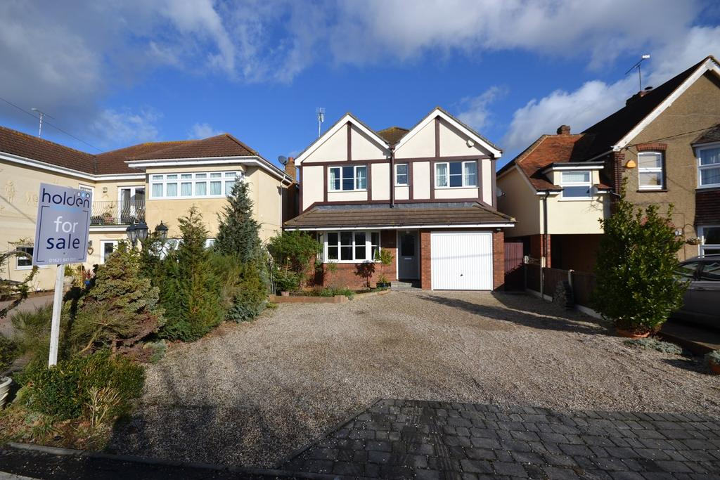 4 Bedrooms Detached House for sale in Basin Road, Heybridge Basin, Maldon, CM9