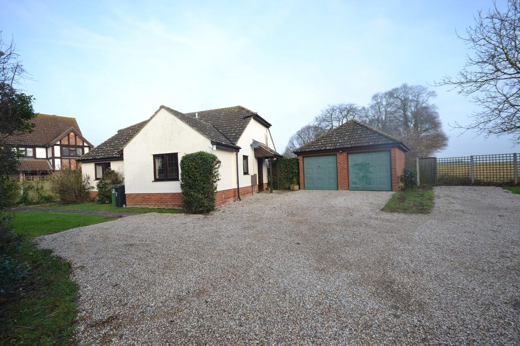 3 Bedrooms Detached Bungalow for sale in Hawthorn Road, Hatfield Peverel, Chelmsford, CM3