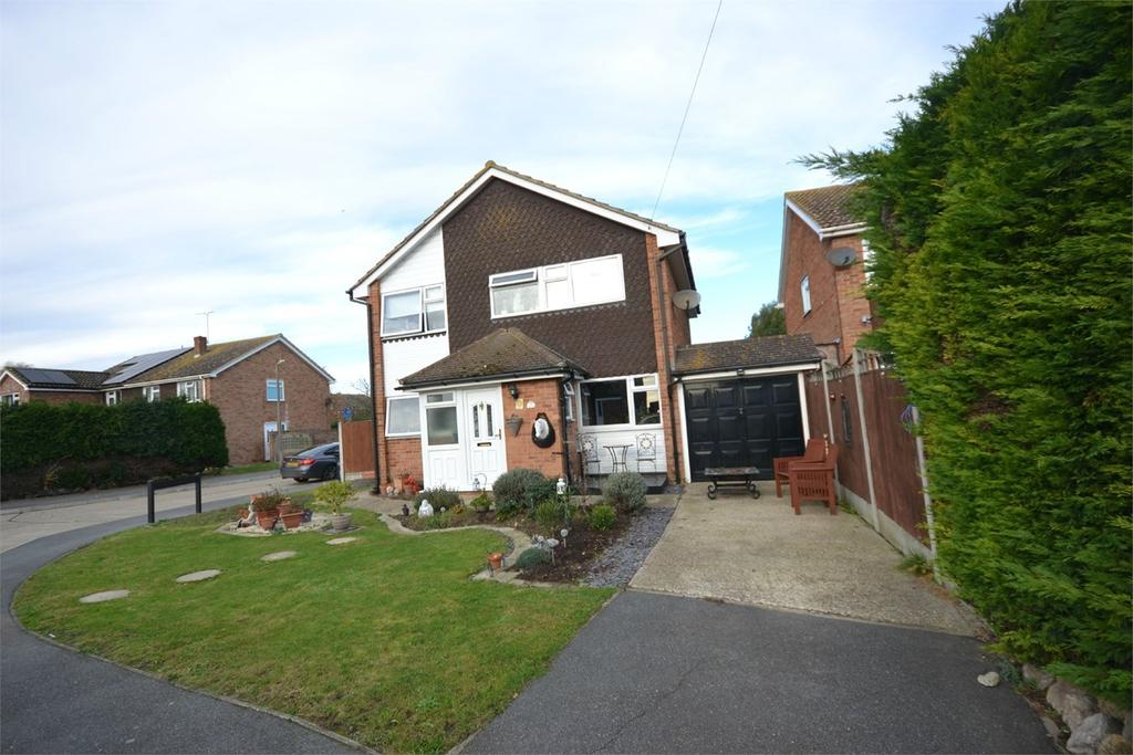 4 Bedrooms Detached House for sale in Bate-Dudley Drive, Bradwell-on-Sea, Southminster, CM0