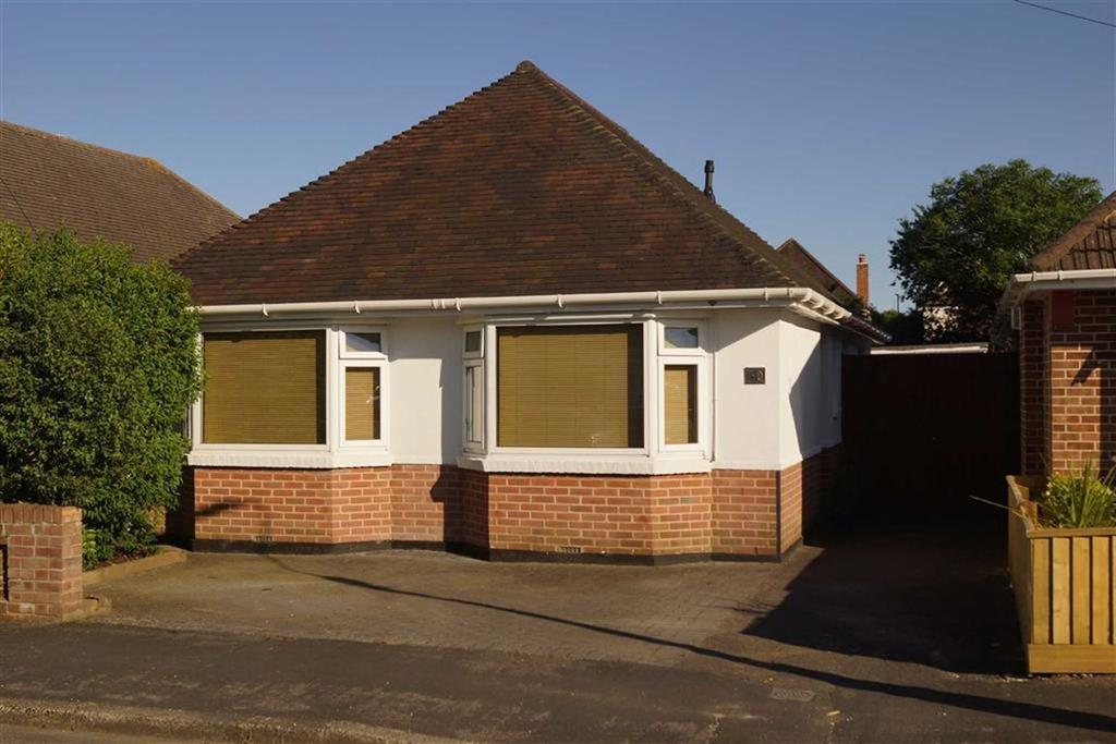 3 Bedrooms Detached Bungalow for sale in Edifred Road, Bournemouth, Dorset, BH9