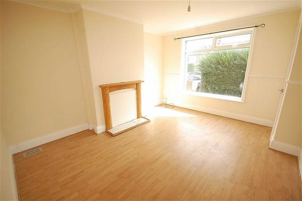 3 Bedrooms Terraced House for rent in Sandhall Lane, Halifax, Halifax, HX2
