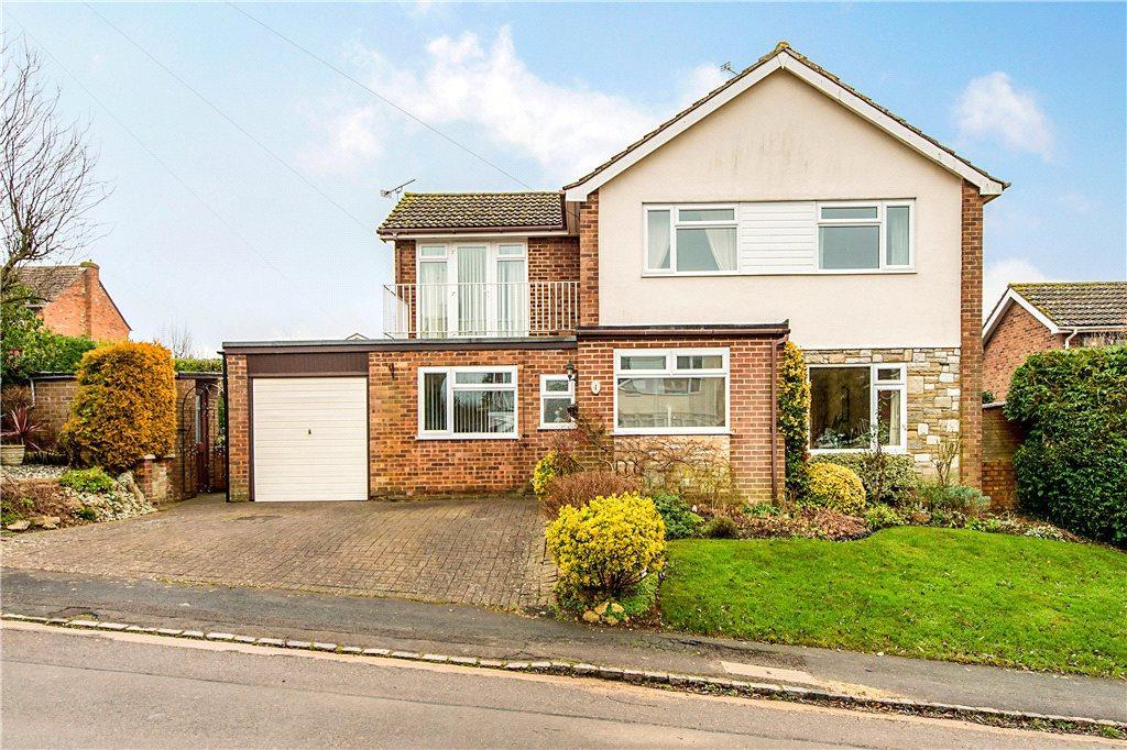 4 Bedrooms Detached House for sale in Winwood Drive, Quainton, Aylesbury, Buckinghamshire