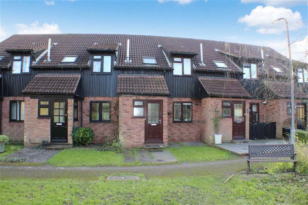 2 Bedrooms Terraced House for sale in Old Sopwell Gardens, St Albans, Hertfordshire
