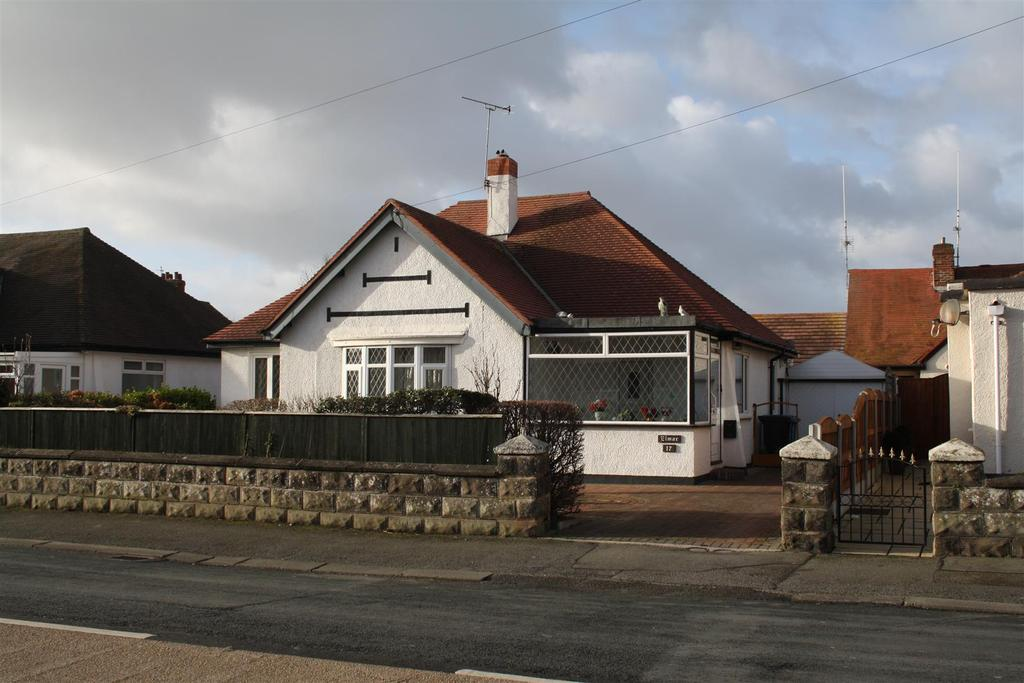 3 Bedrooms Detached Bungalow for sale in Tynewydd Road, Rhyl