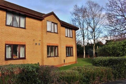 1 bedroom flat to rent - Woodford Court, Gloucester