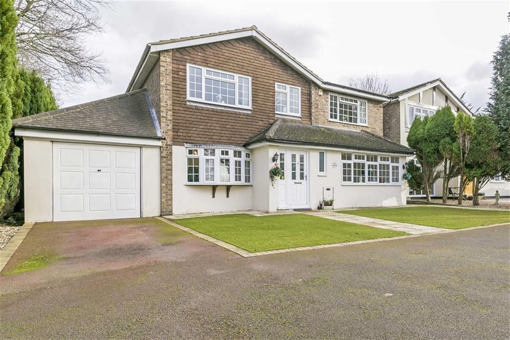 5 Bedrooms Detached House for sale in High Beeches, Banstead, Surrey