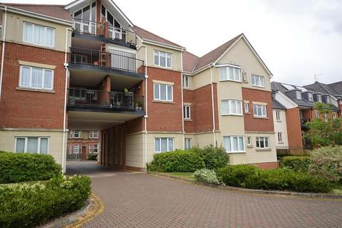 2 bedroom apartment for sale - Chartwell Place, Junction Road, Romford, RM1