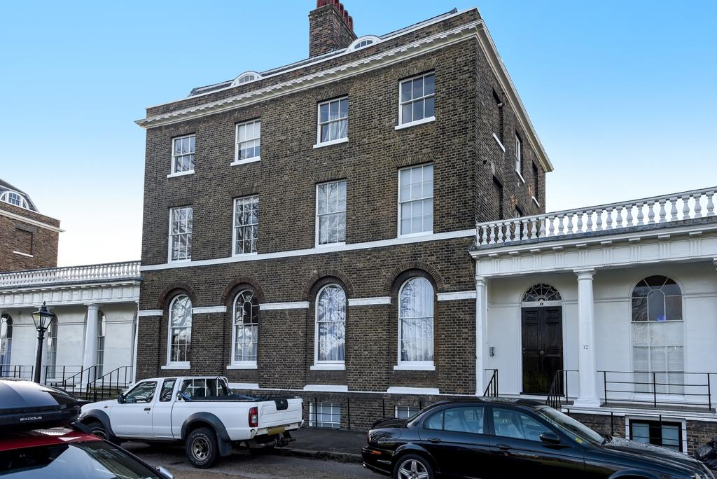 3 Bedrooms Flat for sale in The Paragon London SE3