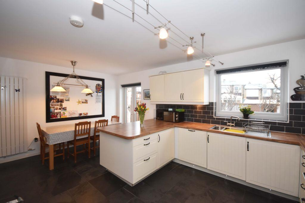 3 Bedrooms Terraced House for sale in 38 Oxgangs Farm Drive, Edinburgh, EH13 9PR