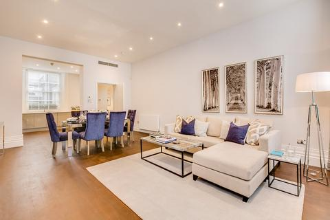 3 bedroom flat to rent - South Eaton Place, Belgravia