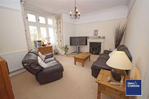 3 bedroom flat to rent - Waungron Road, Llandaff, Cardiff