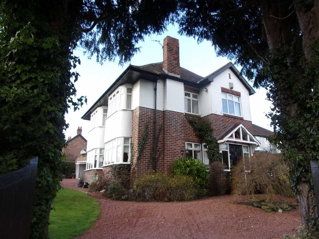 3 Bedrooms Detached House for sale in Strathmore Road, Rowlands Gill, Tyne Wear