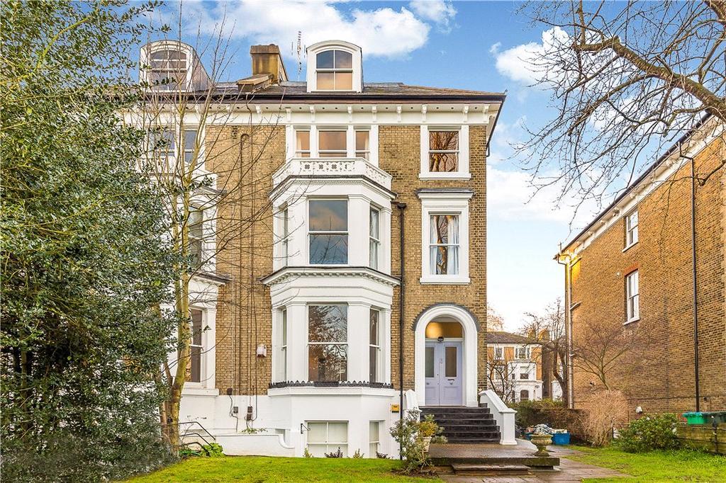 2 Bedrooms Flat for sale in Cambridge Park, Richmond, Twickenham, TW1