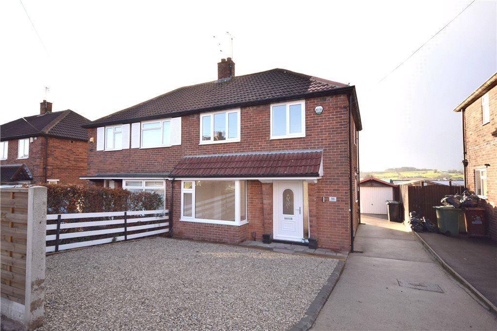 3 Bedrooms Semi Detached House for sale in Queensthorpe Avenue, Leeds, West Yorkshire