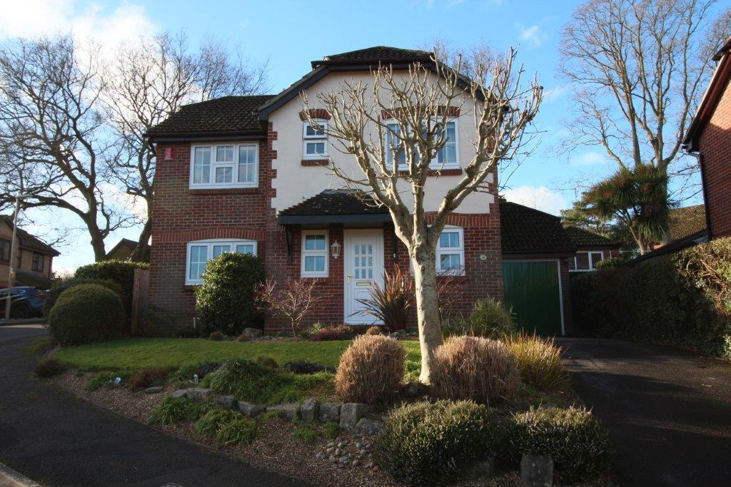 4 Bedrooms Detached House for sale in Firs Drive, Hedge End SO30