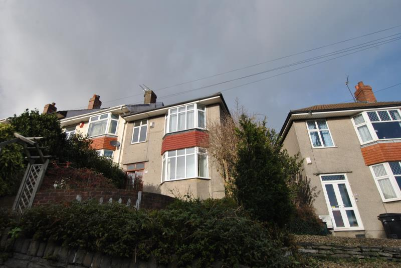 3 Bedrooms Semi Detached House for rent in Talbot Road, Knowle, Bristol, BS4 2NP