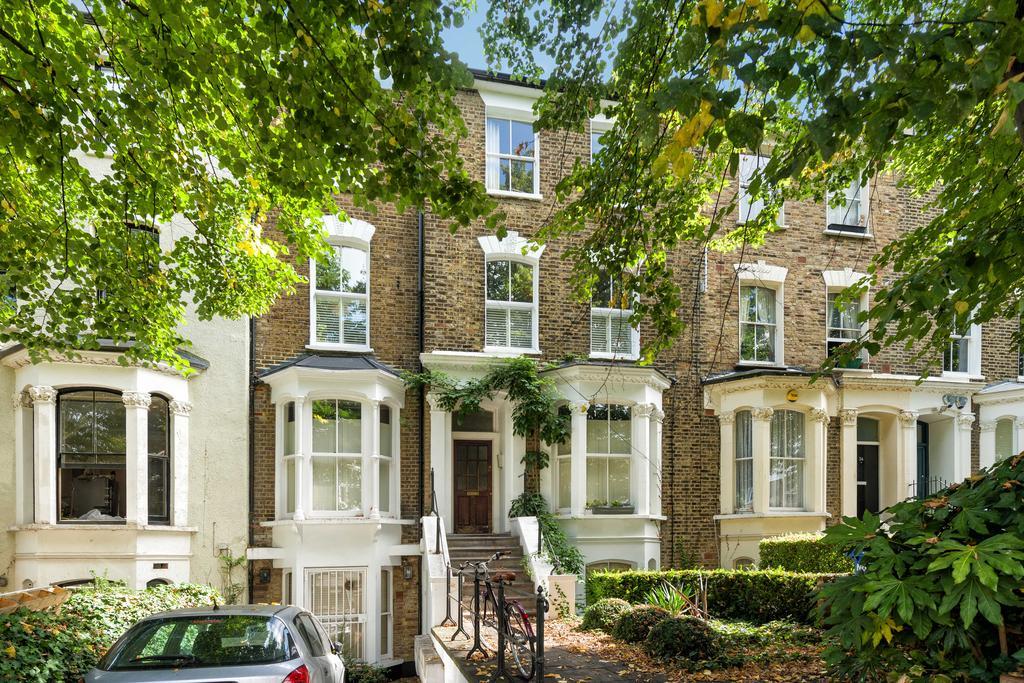2 Bedrooms Flat for sale in Greenwood Road, Hackney, London E8