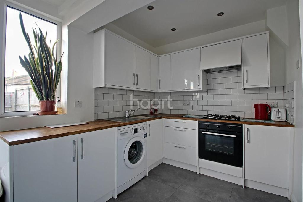 2 Bedrooms Terraced House for sale in Ritchie Road, Croydon, CR0