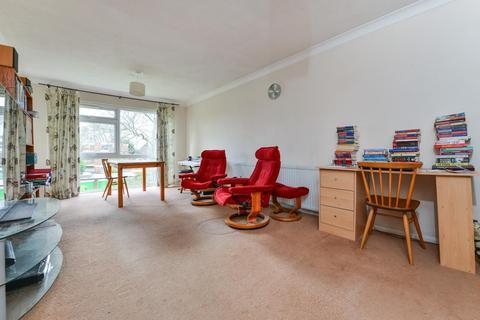 2 bedroom flat for sale - Foxgrove Road, Beckenham