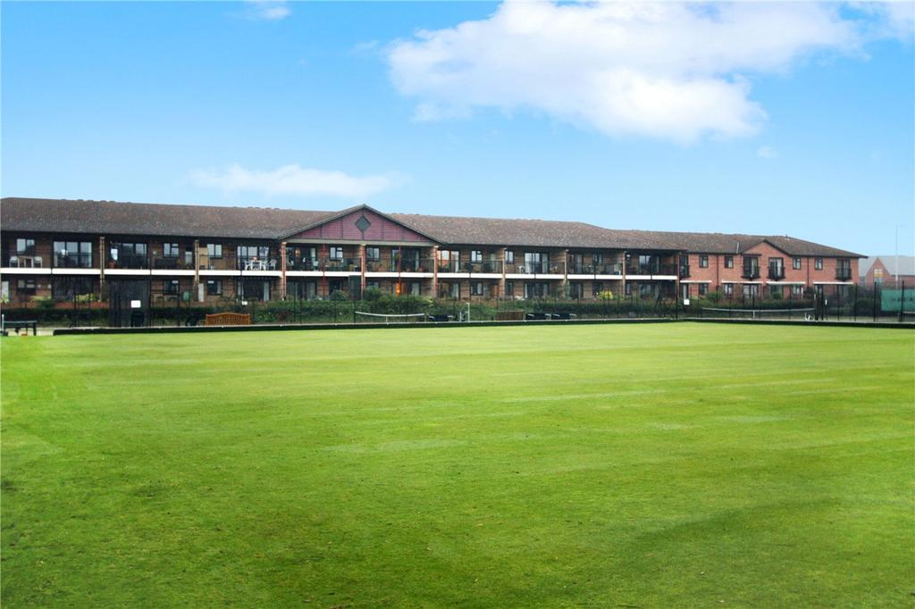 2 Bedrooms Flat for sale in Marlborough Court, West Bridgford, Nottingham, NG2