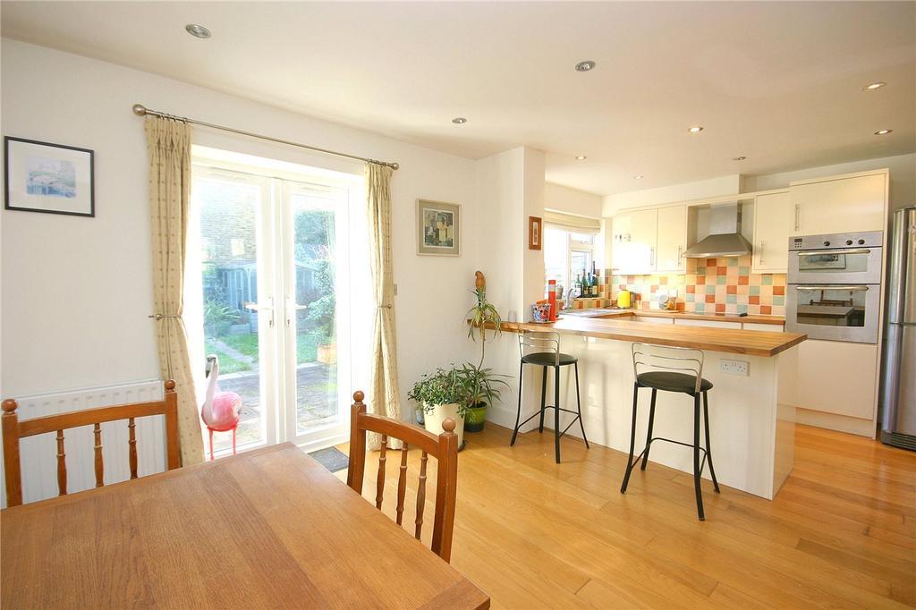 3 Bedrooms End Of Terrace House for sale in Heath Gardens, Twickenham, TW1