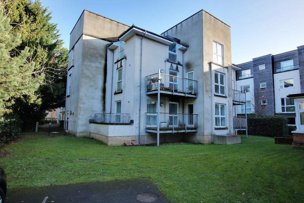 2 Bedrooms Apartment Flat for sale in Archers Road, Southampton
