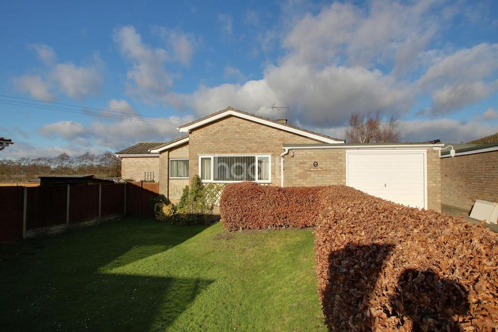 3 Bedrooms Bungalow for sale in Brittons Road, Barrow