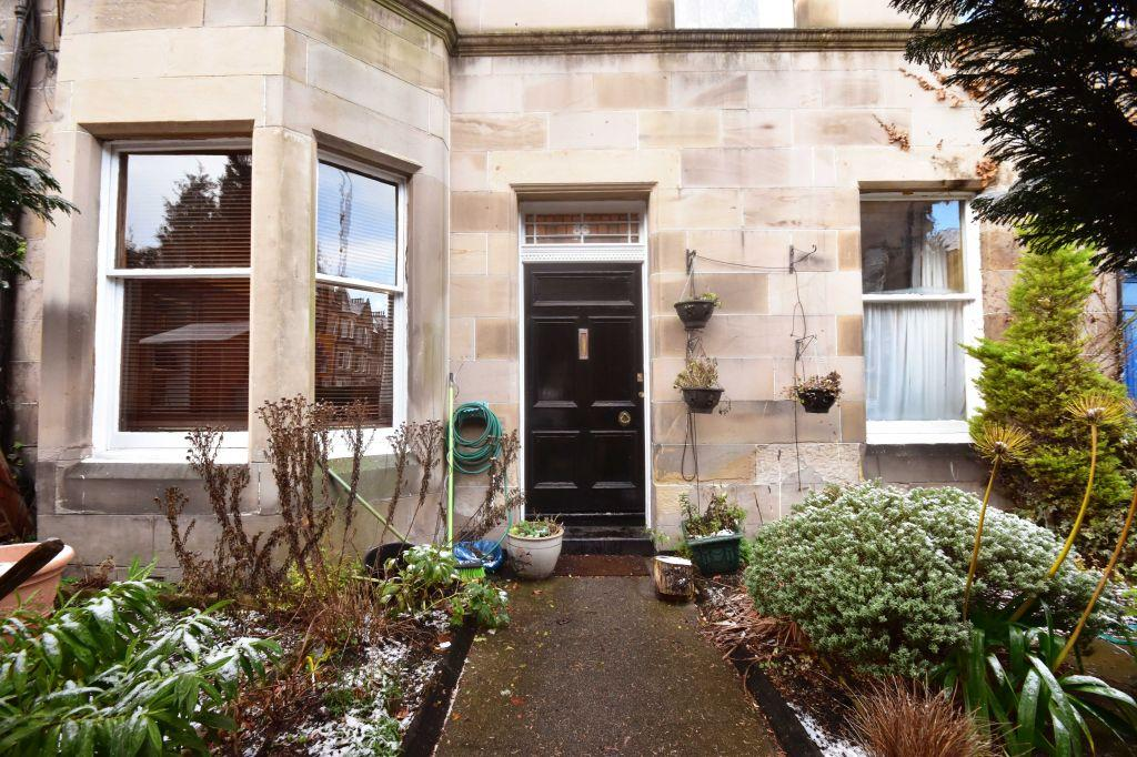 3 Bedrooms Ground Flat for sale in 86 Marchmont Road, Edinburgh, EH9 1HR