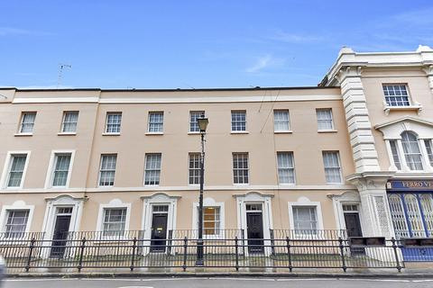 4 bedroom house to rent - College Approach, Greenwich, London, SE10