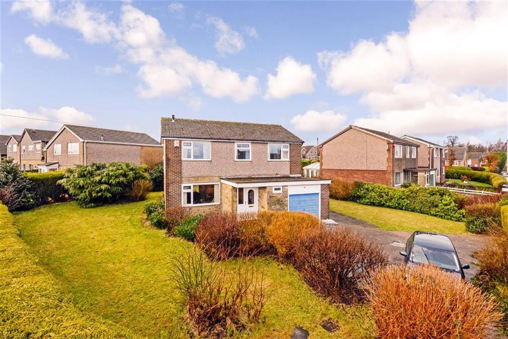 4 Bedrooms Detached House for sale in Crosland Road, Oakes, Huddersfield, HD3