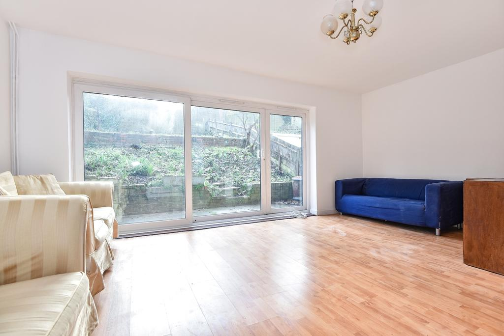 3 Bedrooms End Of Terrace House for sale in London Road London SE23