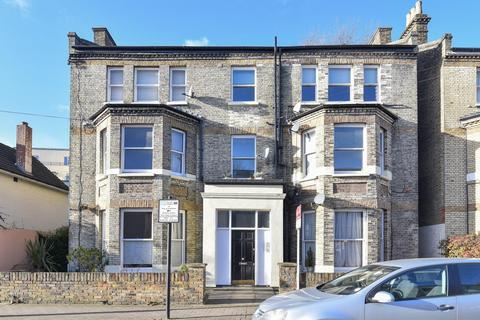 2 bed flats for sale in sw12 latest apartments onthemarket 2 bedroom flat for sale alderbrook road balham malvernweather Choice Image