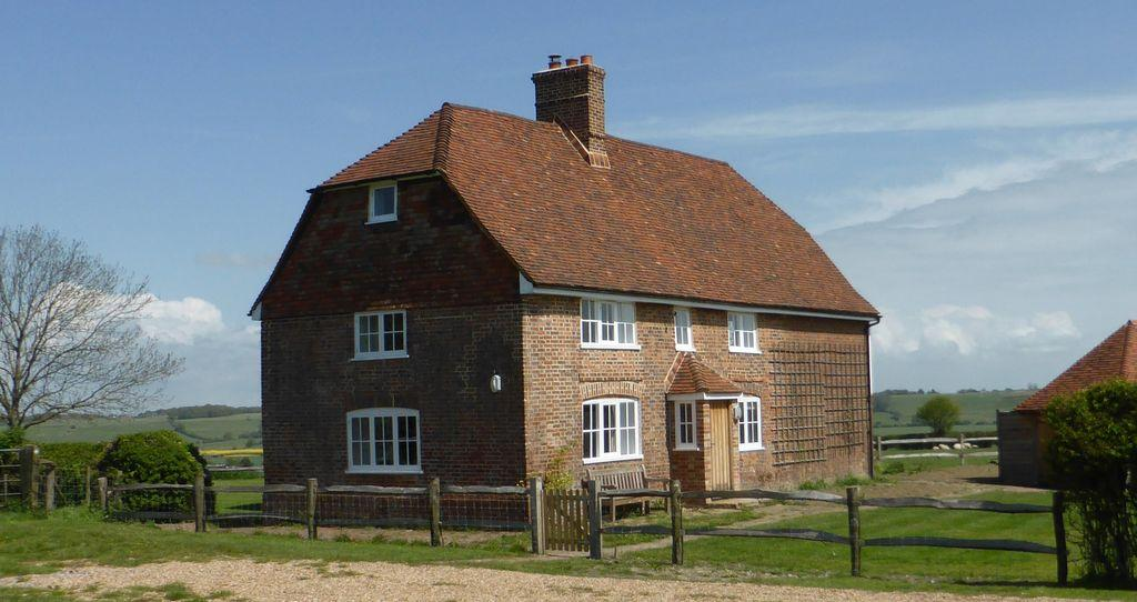 4 Bedrooms Country House Character Property