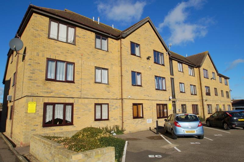 1 Bedroom Flat for sale in Empire Court, Clacton-On-Sea