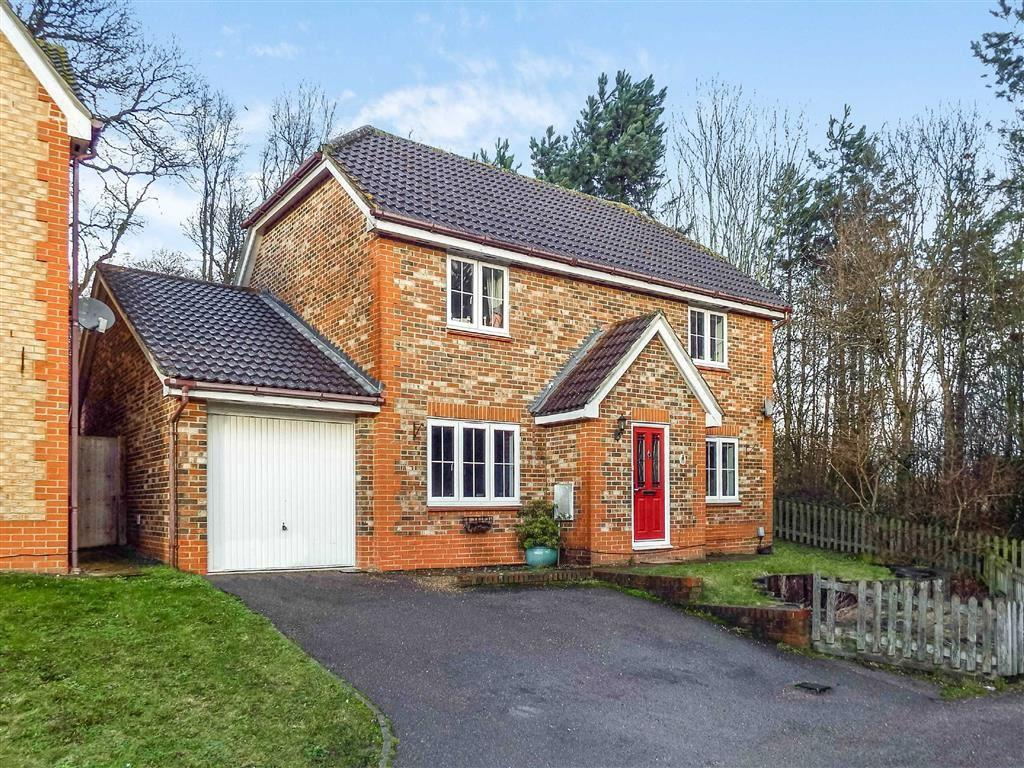 4 Bedrooms Detached House for sale in Windermere Close, Stevenage, Hertfordshire, SG1