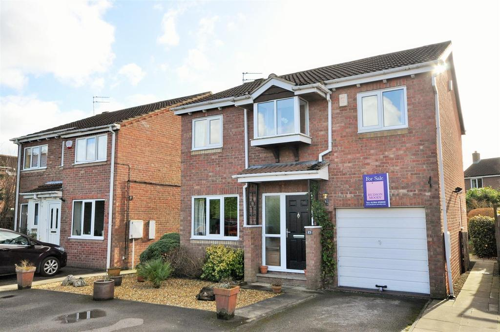 4 Bedrooms Detached House for sale in Carron Crescent, York, YO24 2XY