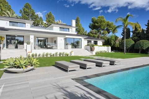 5 bedroom detached house  - Marbella, Andalucia, Spain