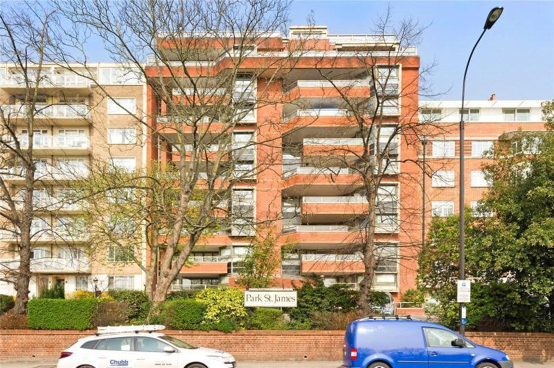 3 Bedrooms Apartment Flat for sale in Park St James, London, NW8