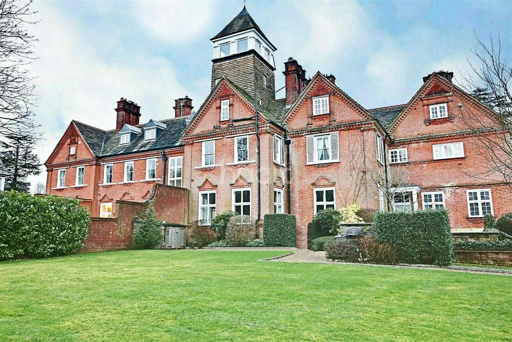 2 Bedrooms Flat for rent in Ranmore Common, Dorking