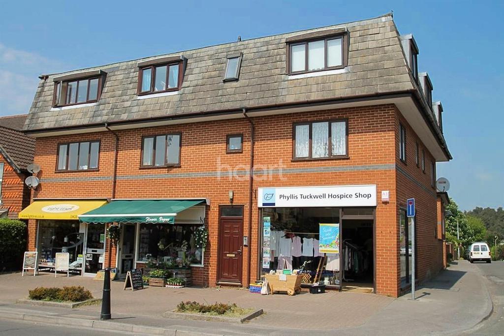 1 Bedroom Flat for sale in Headley Road, Grayshott