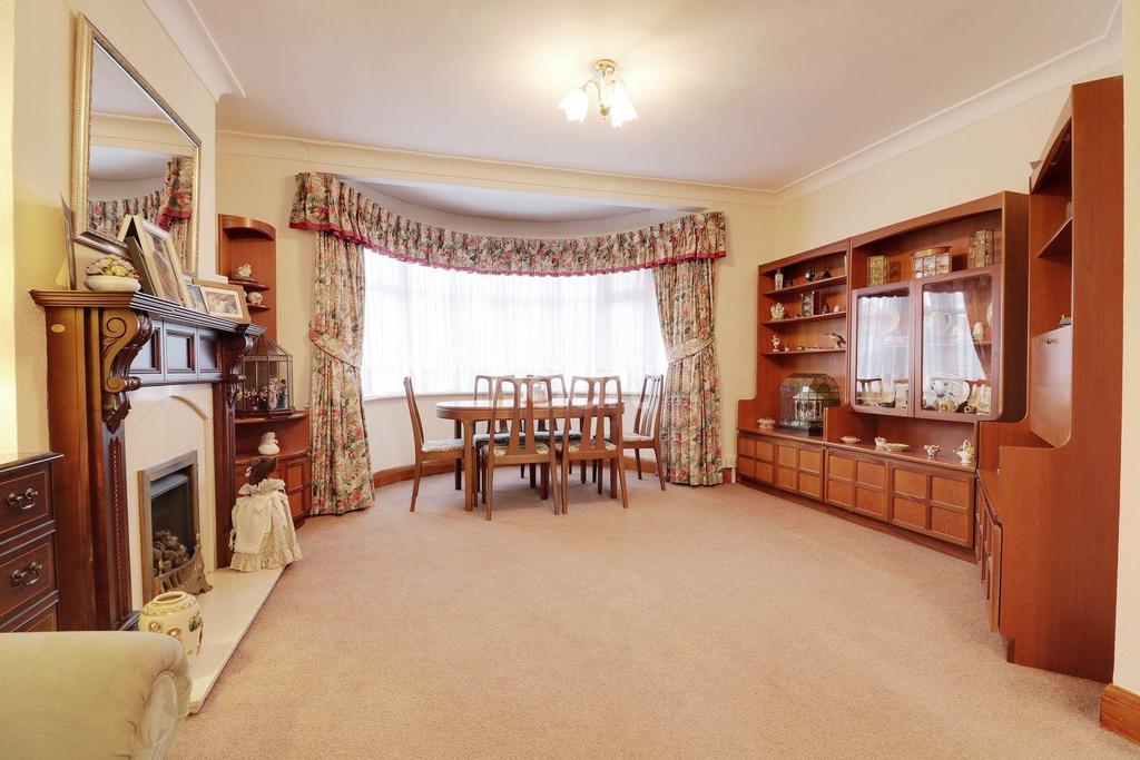 5 Bedrooms Semi Detached House for sale in Kenmore Avenue, HA3