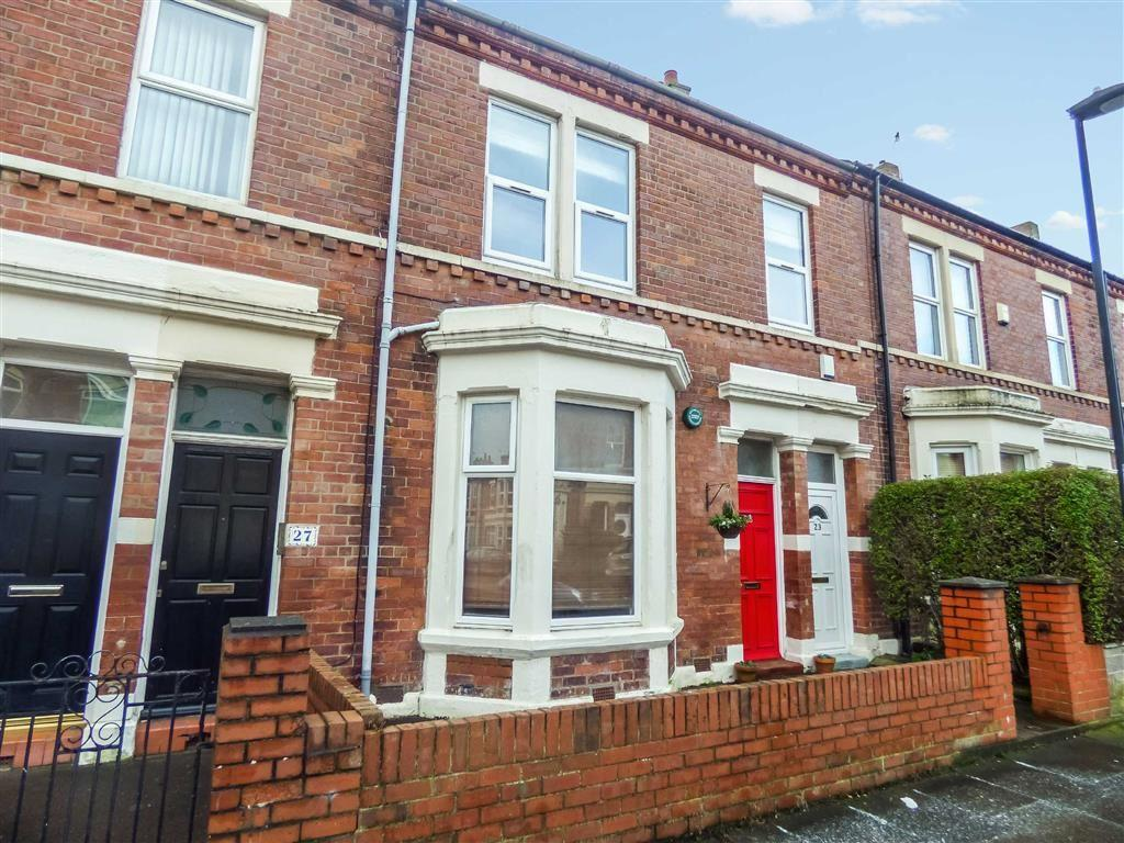 2 Bedrooms Flat for sale in Bamborough Terrace, North Shields