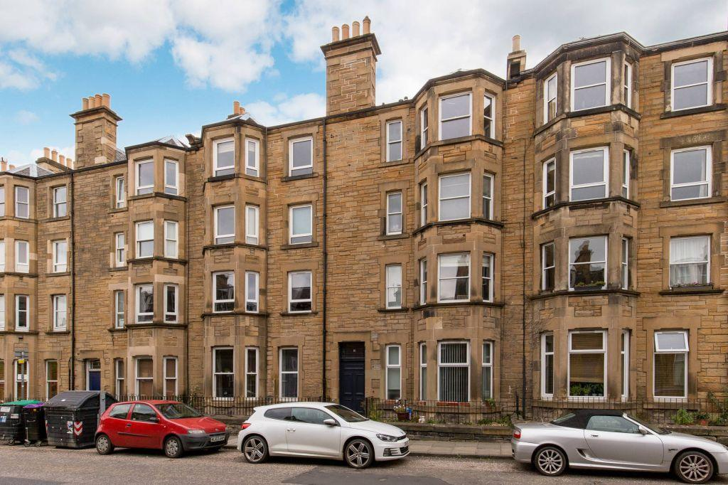 2 Bedrooms Ground Flat for sale in 11 Shandon Place, Edinburgh, EH11 1QN